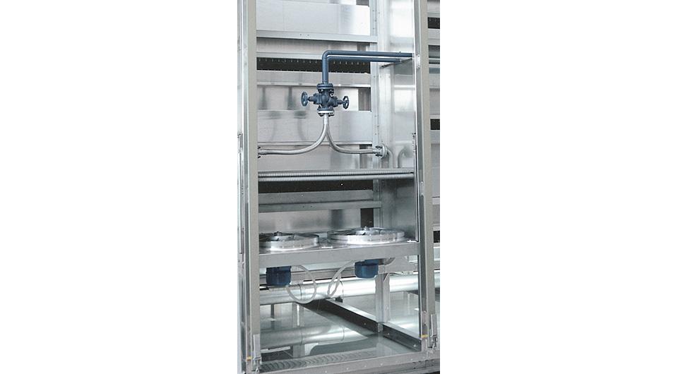 Вентиляционный шкаф и двухрядная батарея охлаждения